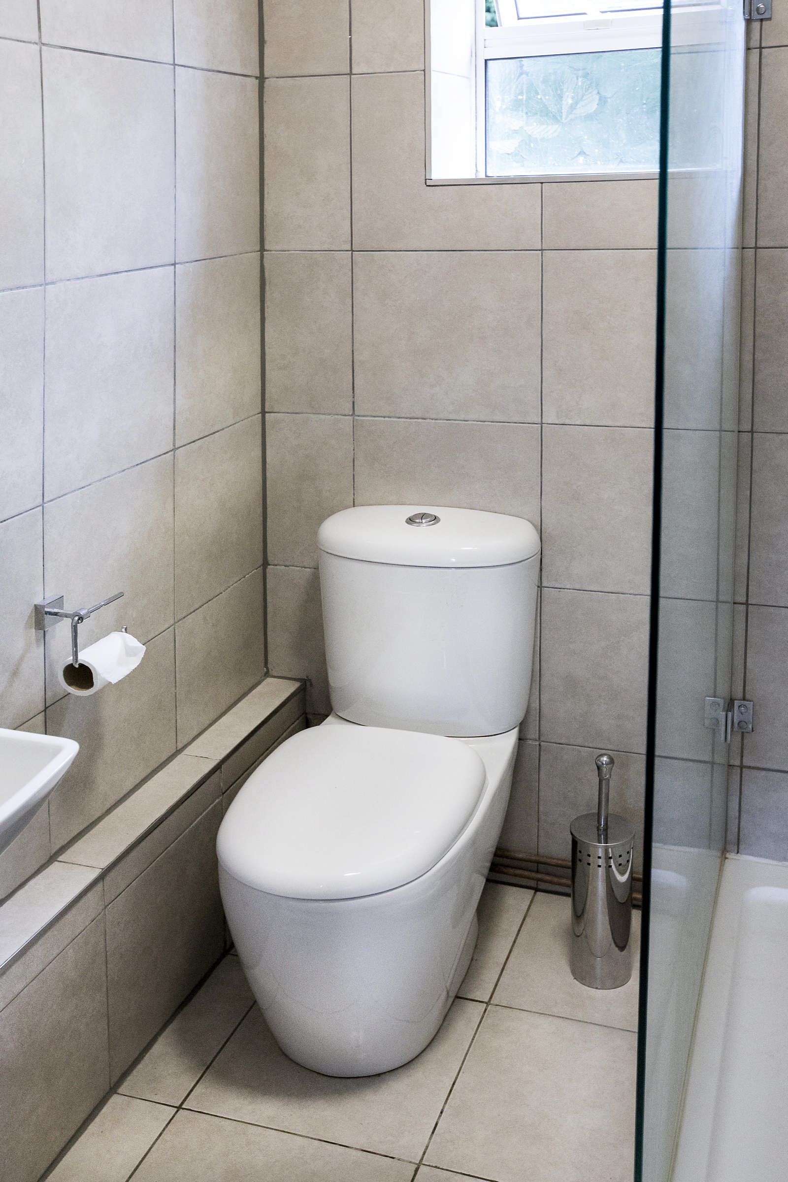 Estate Agency: Bathroom01