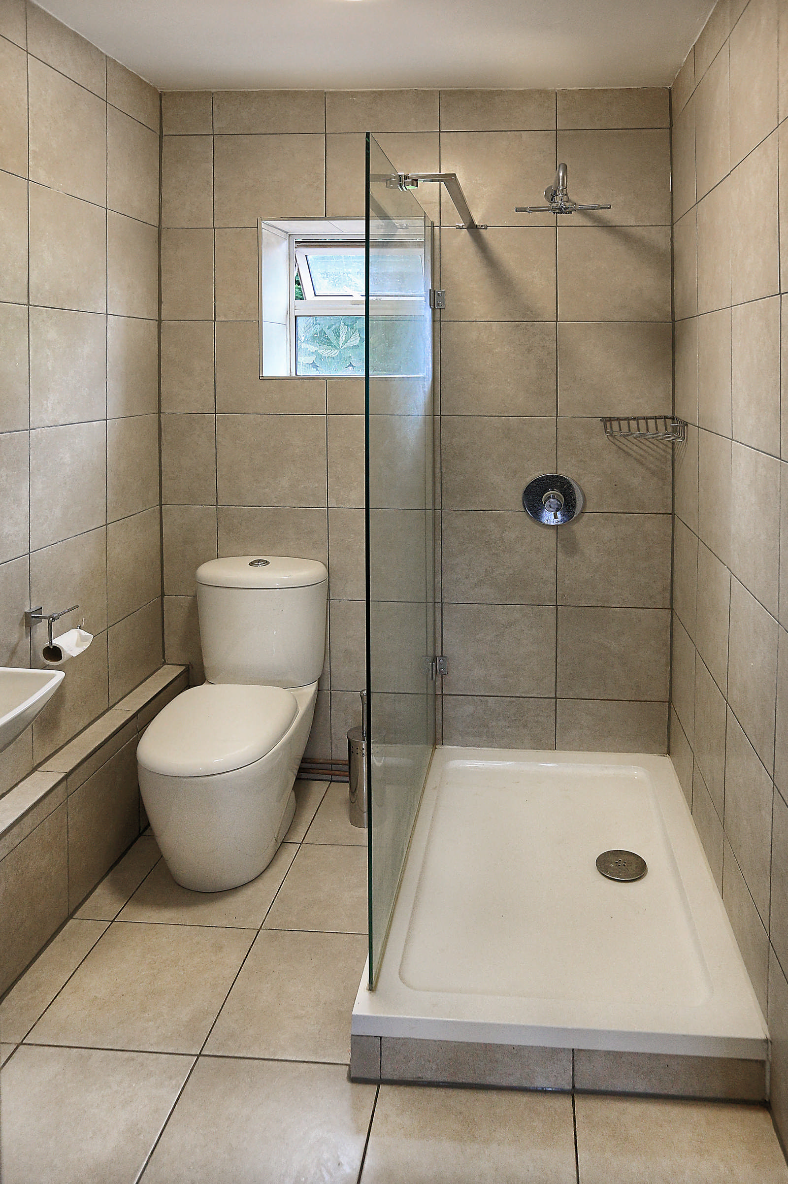 Estate Agency: Bathroom03