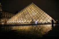 Louvre at night 02