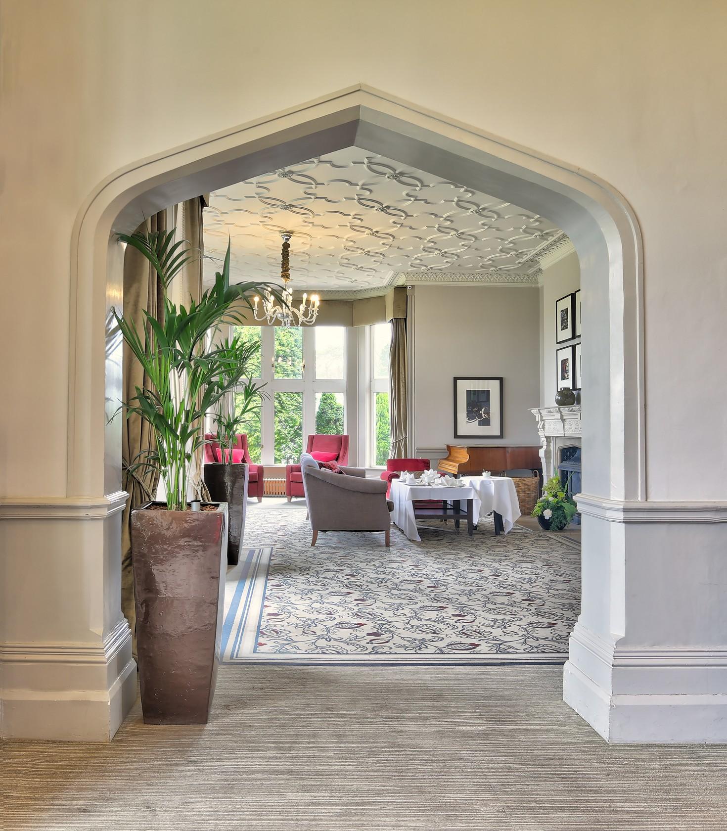 Hartsfield Manor Hotel. Interior Archway